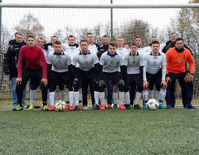 """Veisiejų (Lazdijų r.) SBK """"Dainava"""" šiemet išsiskyrė gynyba – visų pirmenybių metu, kaip ir čempionė FK """"Rese"""", praleido vos 21 įvartį. Alytausgidas.lt nuotr."""