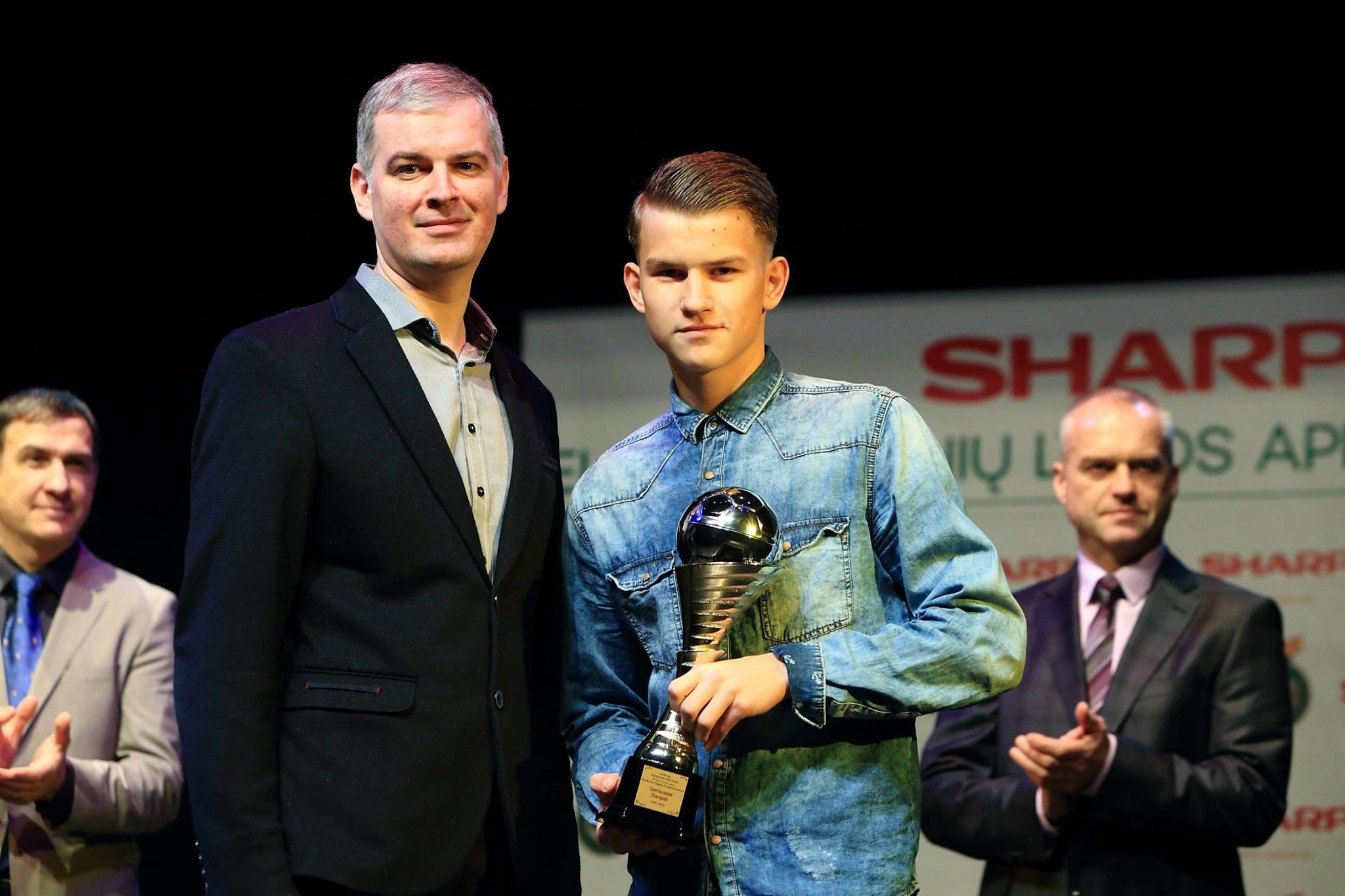 Rezultatyviausias elitinės U-17 futbolo lygos žaidėjas, geriausiu šio čempionato saugu pripažintas dainaviškis Renatas Banevičius